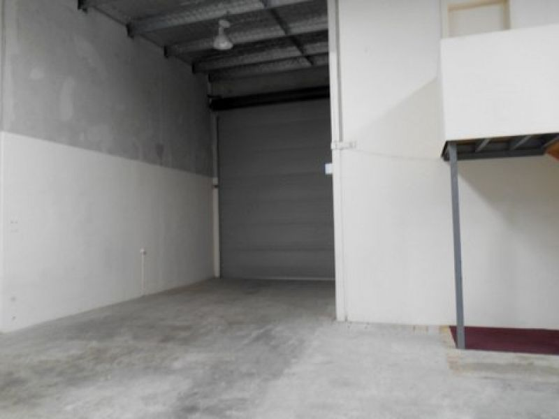 Front Unit In Upper Coomera
