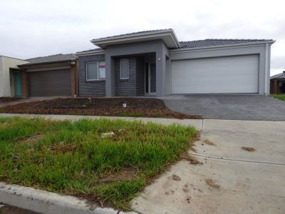 Modern, Spacious and Low Maintenance: Perfect for a Growing Family!
