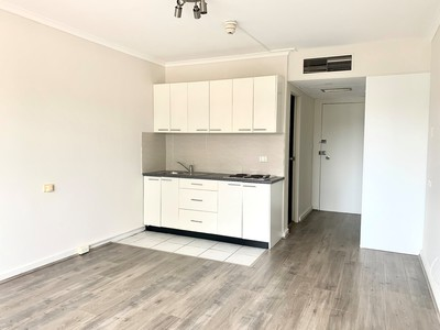 Self contained renovated apartment