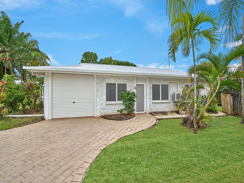 Pet friendly villa in quiet close with no Body Corp fees