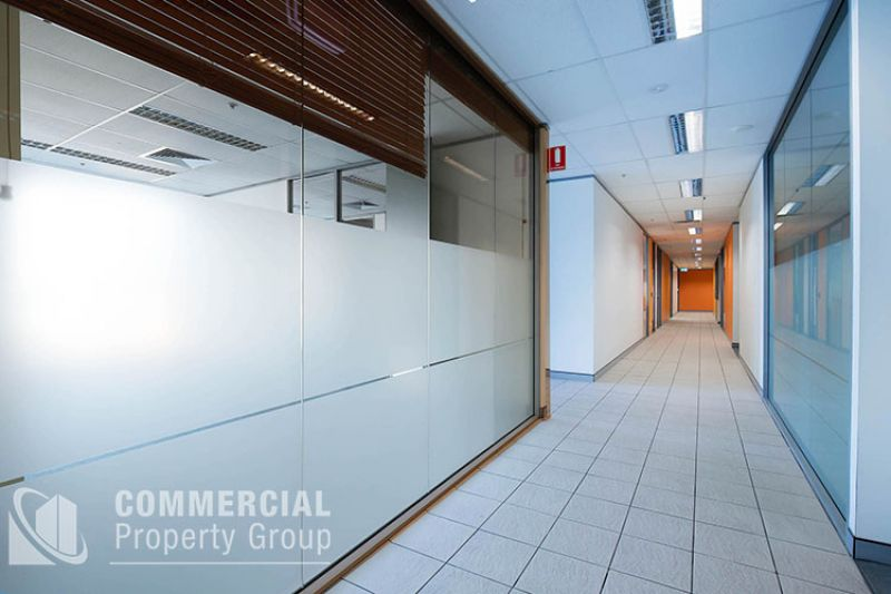 SUPERIOR OFFICE ACCOMMODATION - UPTO 2,244m2