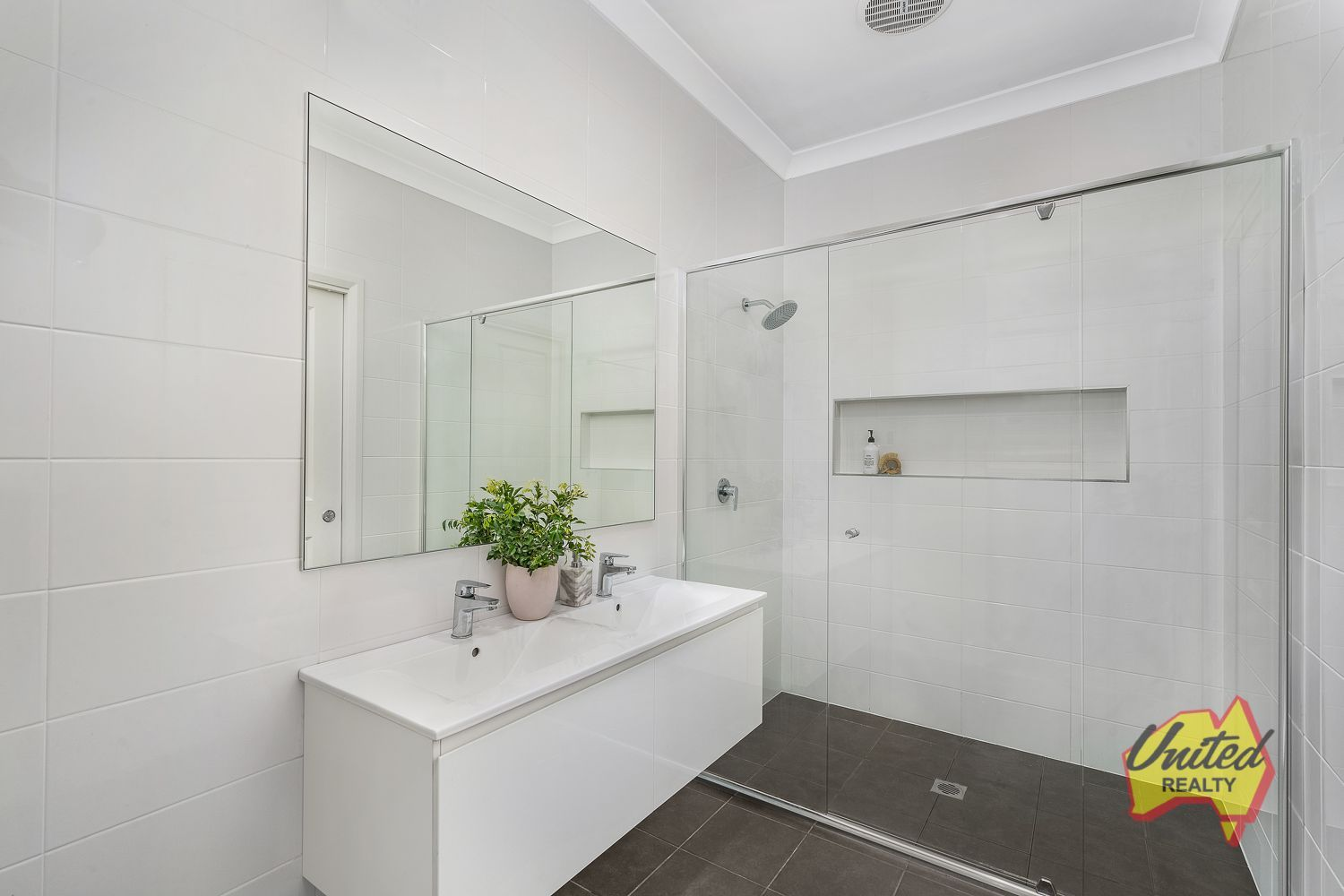 15 Dengate Close Elderslie 2570
