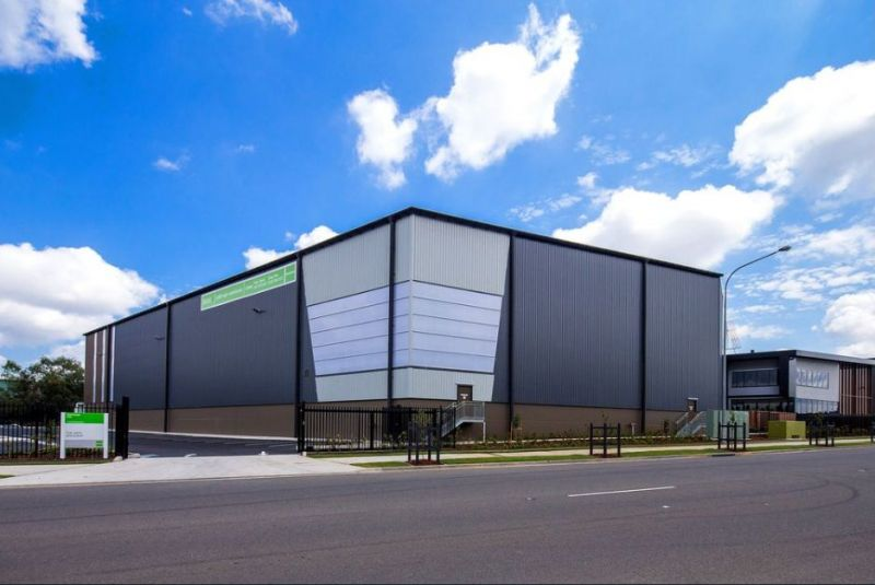 High clearance warehouse space in established industrial estate