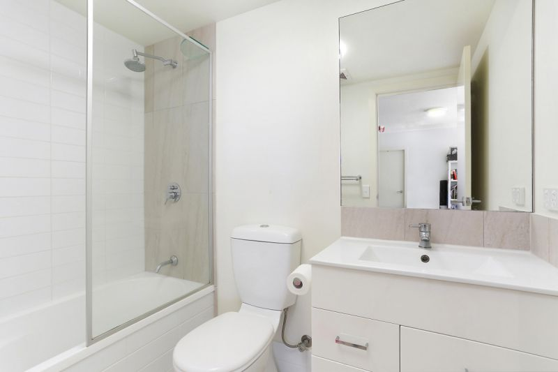 2 BEDROOM 2 BATHROOM UNIT IN THE HEART OF HIGHGATE HILL