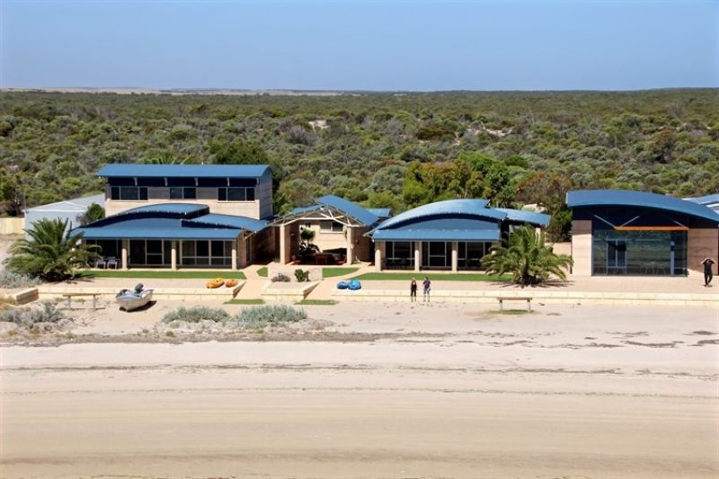 BAIRD BAY ECO TOURISM AND ACCOMMODATION. FREEHOLD. ABSOLUTE BEACHFRONT PROPERTY