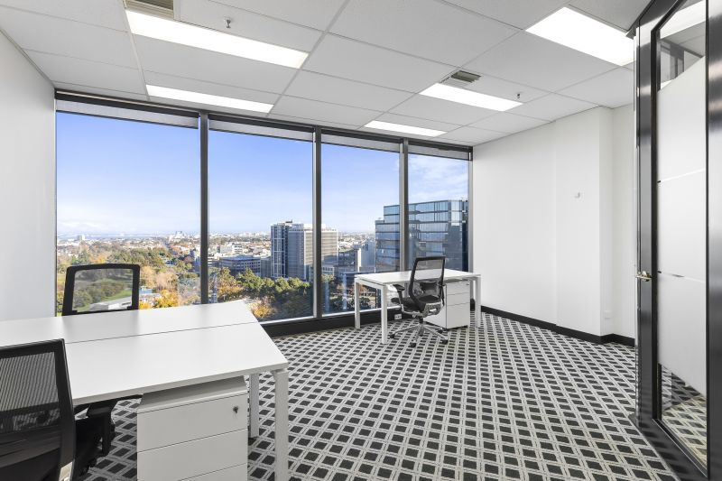 Spacious, collaborative office perfect for social distancing with your team