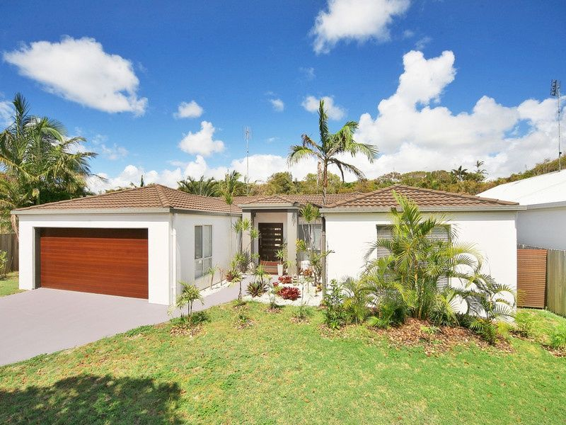 11 Driftwood Drive, Castaways Beach QLD 4567