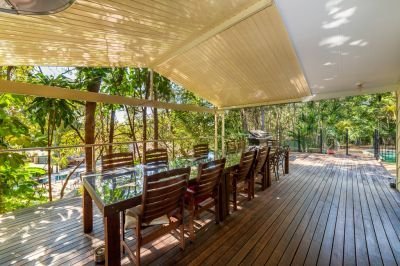 City/Country Lifestyle - This 2000m2 plus Block has it All