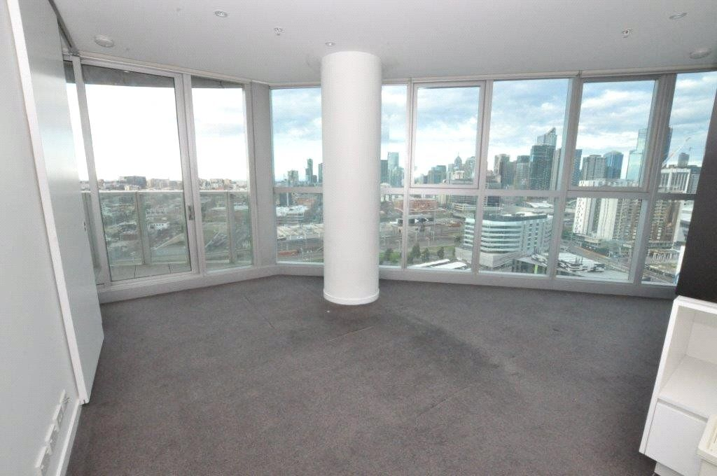 The Quays: Modern and Stunning Docklands Abode!