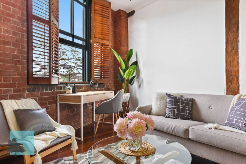 1930'S HERITAGE-LISTED NORTH-EAST FACING WOOLSTORE GEM!>