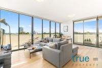 FULLY FURNISHED AND SHORT TERM LEASE - EXCEPTIONALLY LOCATED WITH AMAZING VIEWS