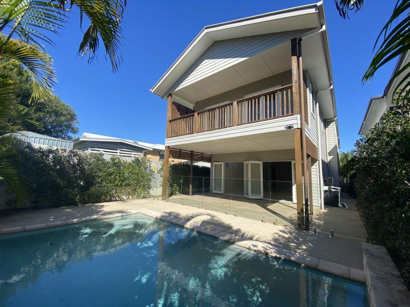 Beachside Luxury home