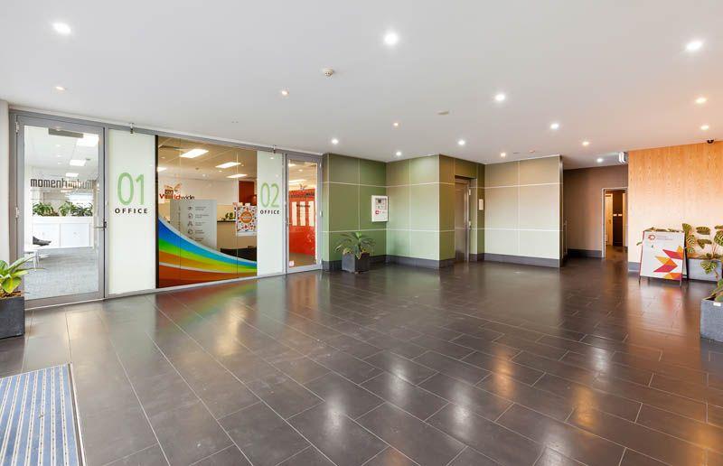 130m² ground floor office space