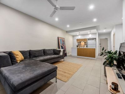 BEST VALUE AVAILABLE IN THE COMPLEX - 2 BEDROOM APARTMENT!!