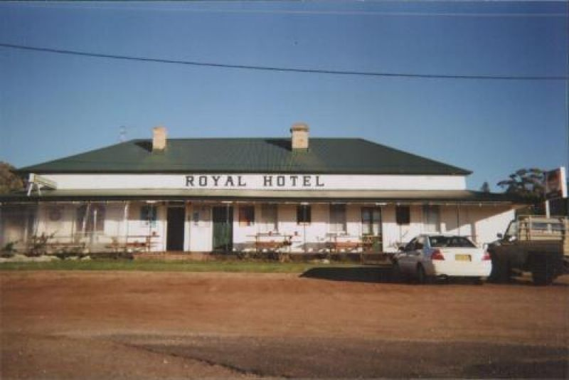 TAMBAR SPRINGS - FREEHOLD COUNTRY HOTEL - FOR SALE