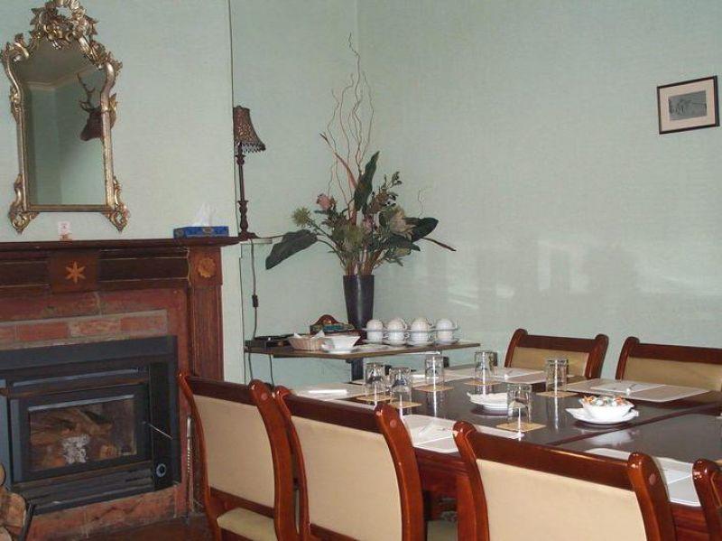 Man O' Ross Hotel