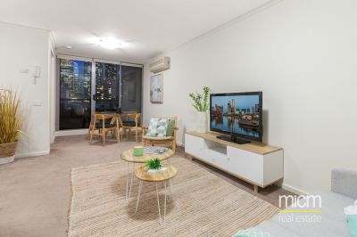 Generous Market Square Living with CBD Views