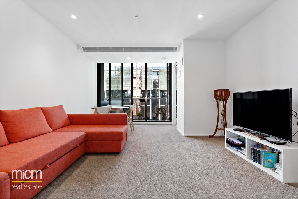 Easy-Care Elegance in Convenient Southbank Position
