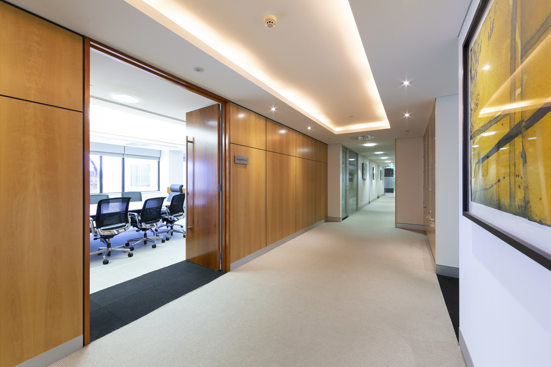 HIGH QUALITY FITTED OUT OFFICE SPACE