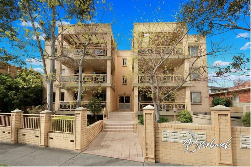 MODERN LOCATION - CALL 9631 4433 TO BOOK A PRIVATE INSPECTION