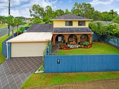 Dual Living Home, Large 672m2 Corner Block - Adjoining Park