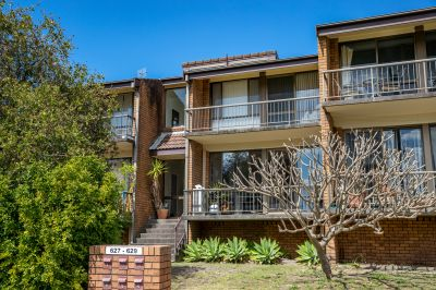 2/627 Glebe Road, Adamstown