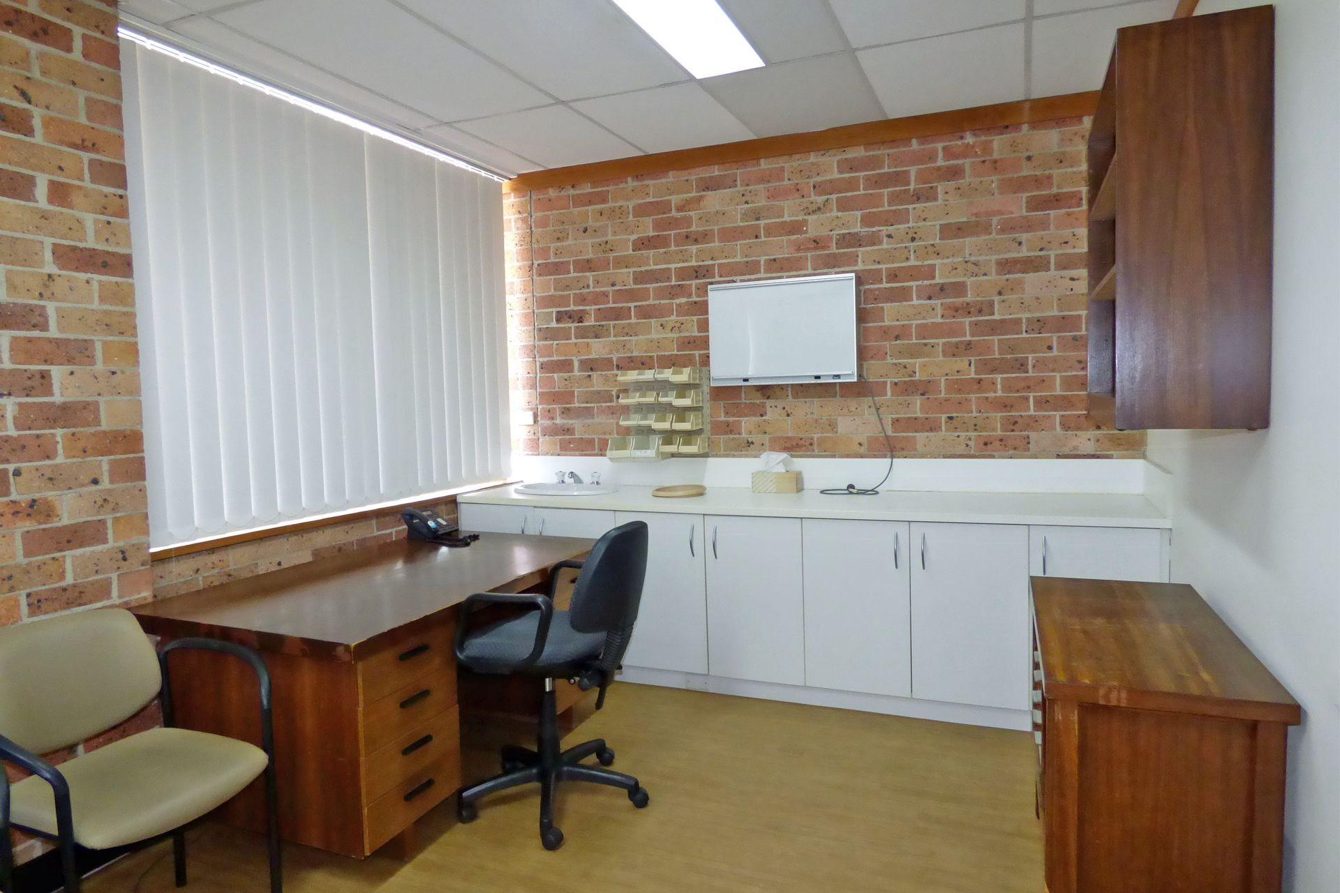 MEDICAL OR OFFICE SPACE WITH GREAT EXPOSURE