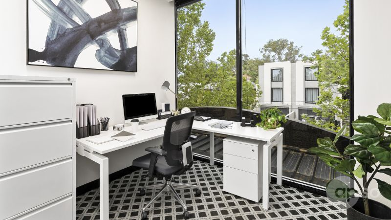 Lease this large office filled with natural light