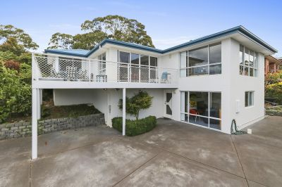 12 Sandra Drive, Blackmans Bay