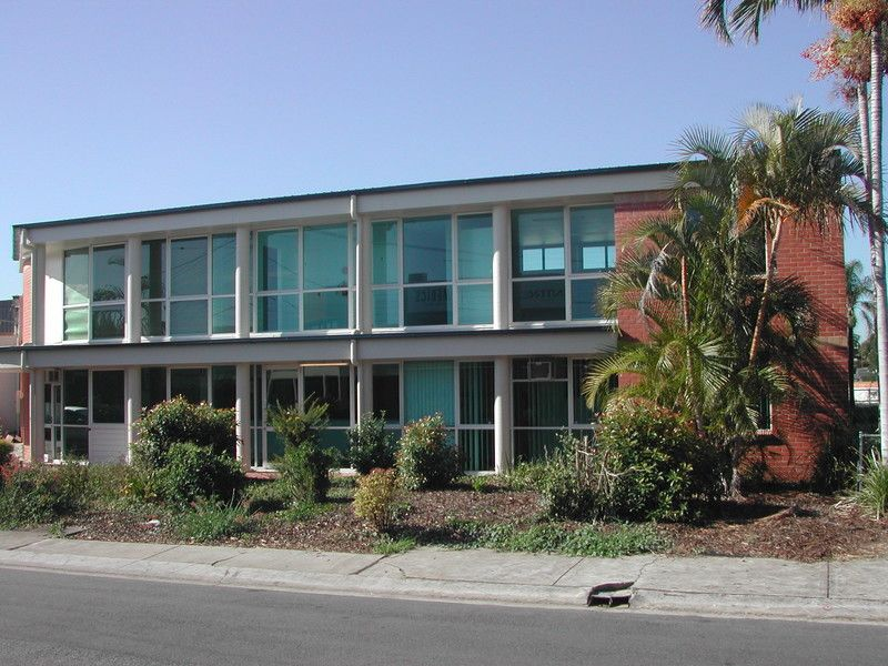 30M2 GROUND FLOOR OFFICE/WAREHOUSE NEAR BREAKFAST CREEK HOTEL