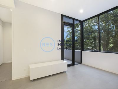 Contemporary 1-Bedroom Apartment in 'The Moreton', Bondi