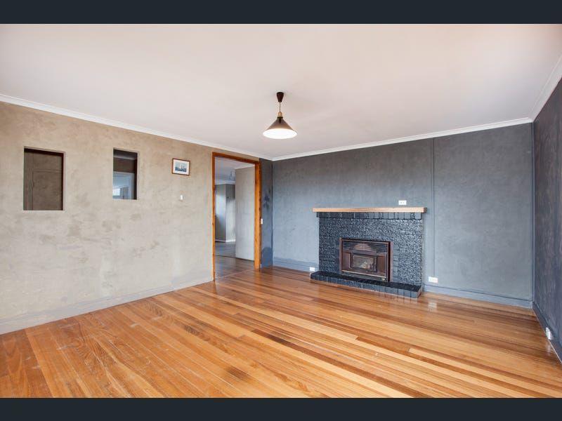 Private Rentals: 49 Tasman Highway, Orford, TAS 7190
