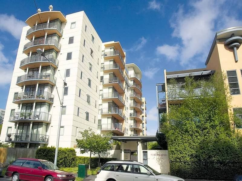 Southbank Royale: 7th Floor - Two Bedroom, Two Bathroom Gem with Everything At Your Doorstep!