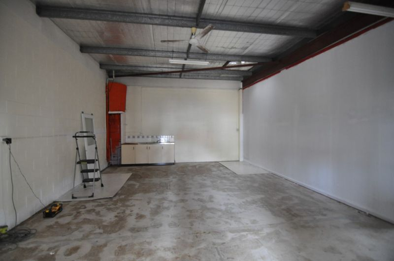 Neat Ingham Road warehouse - great value at $2,000 per month