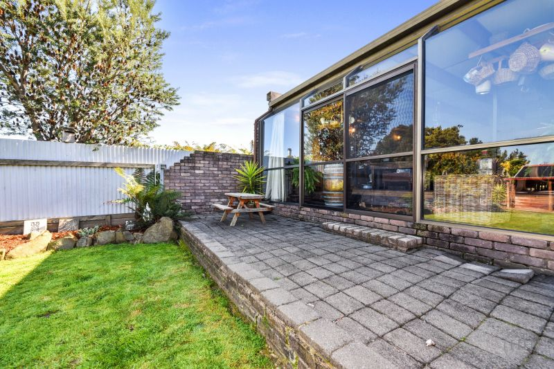 224 St Leonards Road-22