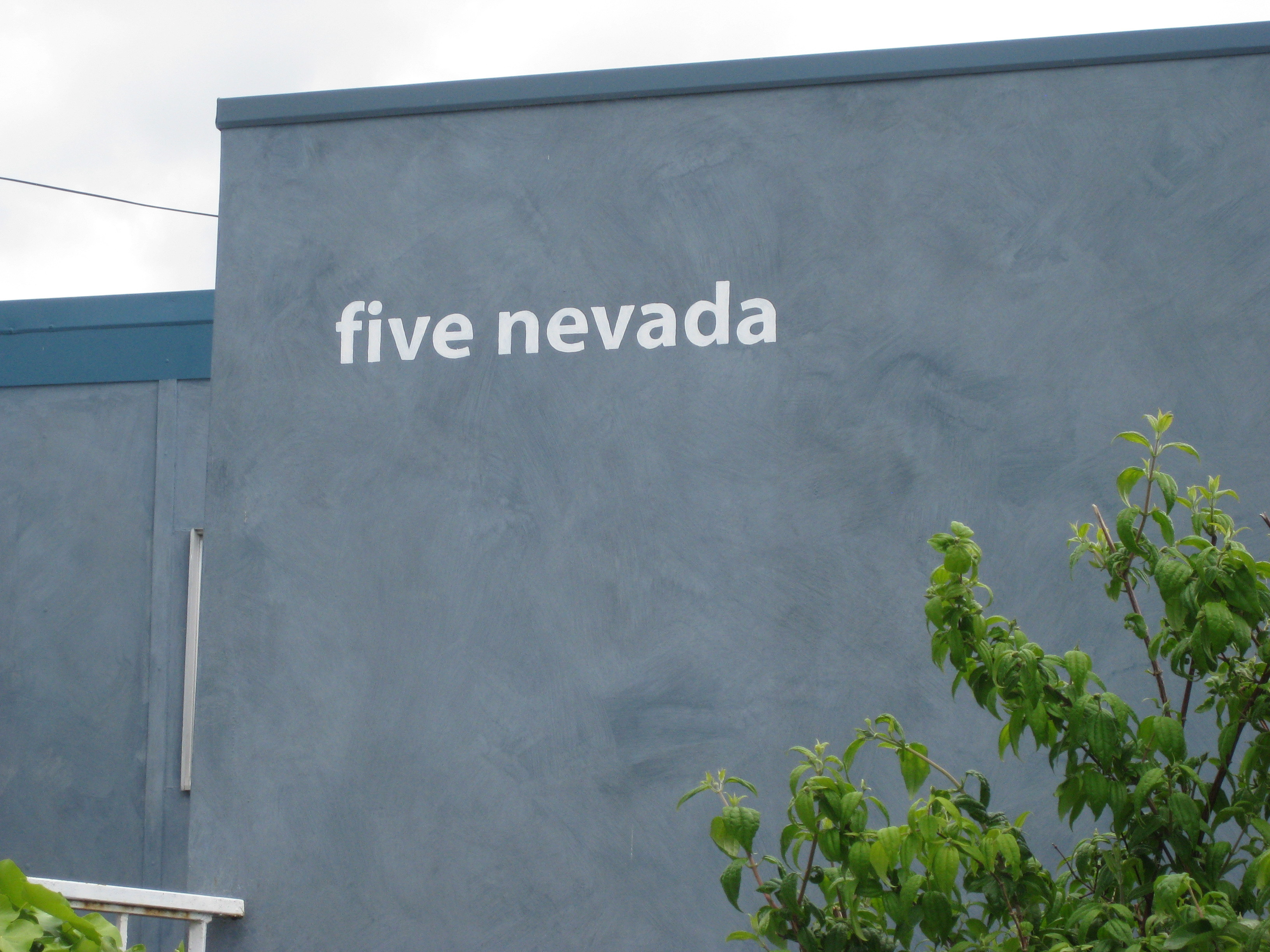 2/5 Nevada Street