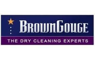Brown Gouge Dry Cleaning in Shopping Centre in East - Ref: 10627