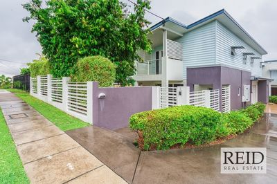 EXCEPTIONAL TOWNHOUSE IN PRIME LOCATION!