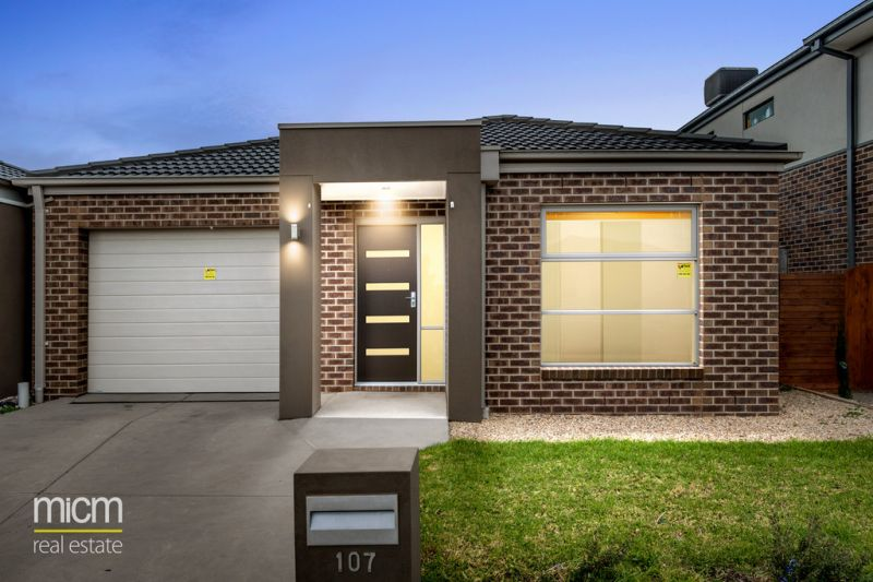 Market Entry Excellence in Fabulous Featherbrook Estate