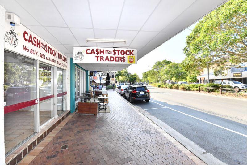 Large Retail Showroom Noosa Junction
