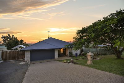 IMMACULATE FAMILY PACKAGE WITH PRIVATE YARD, BIG OUTDOOR AREA + SOLAR!