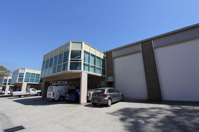 Presentable High Clearance Warehouse!