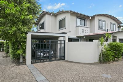 Spacious townhouse in secure boutique block of 4