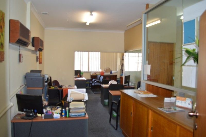 CONVENIENTLY LOCATED 1ST FLOOR OFFICE WITH STRONG SIGNAGE & DISABLED LIFT!