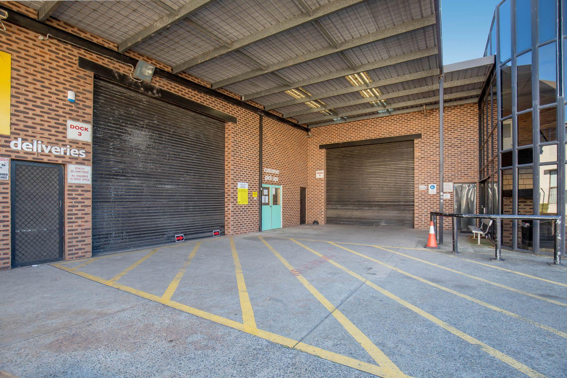 LEASED BY HAYDEN BENNETT & DAMEN ASTEY - 1,192M² OFFICE & WAREHOUSE