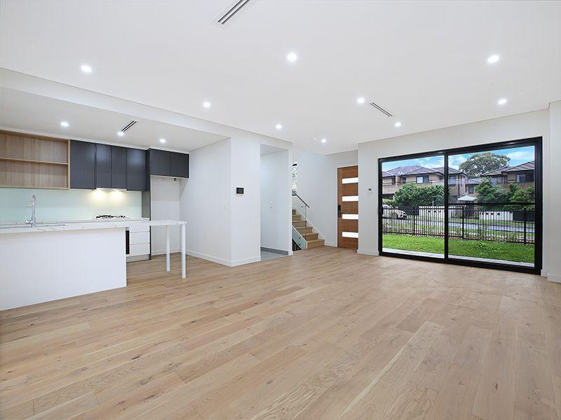1/12-16 Durbar Avenue, Kirrawee NSW 2232