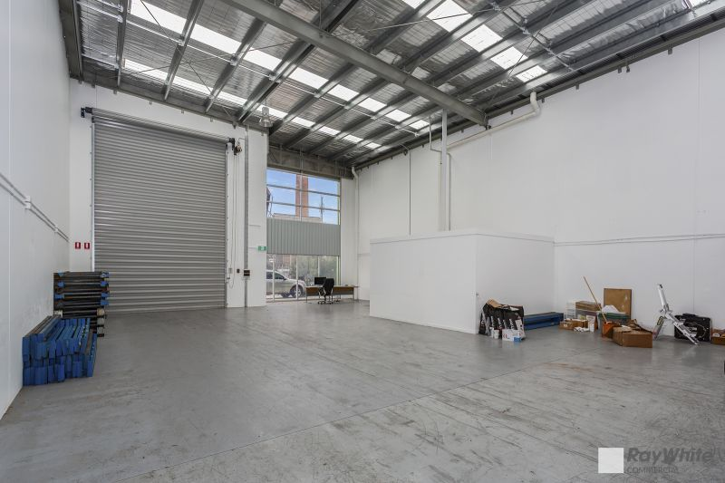 Central Oakleigh Warehouse with Excellent Height