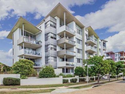 Unique and Spacious Apartment