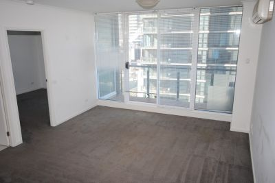 Rivergarden Condos: 11th Floor - You Will Be Impressed!