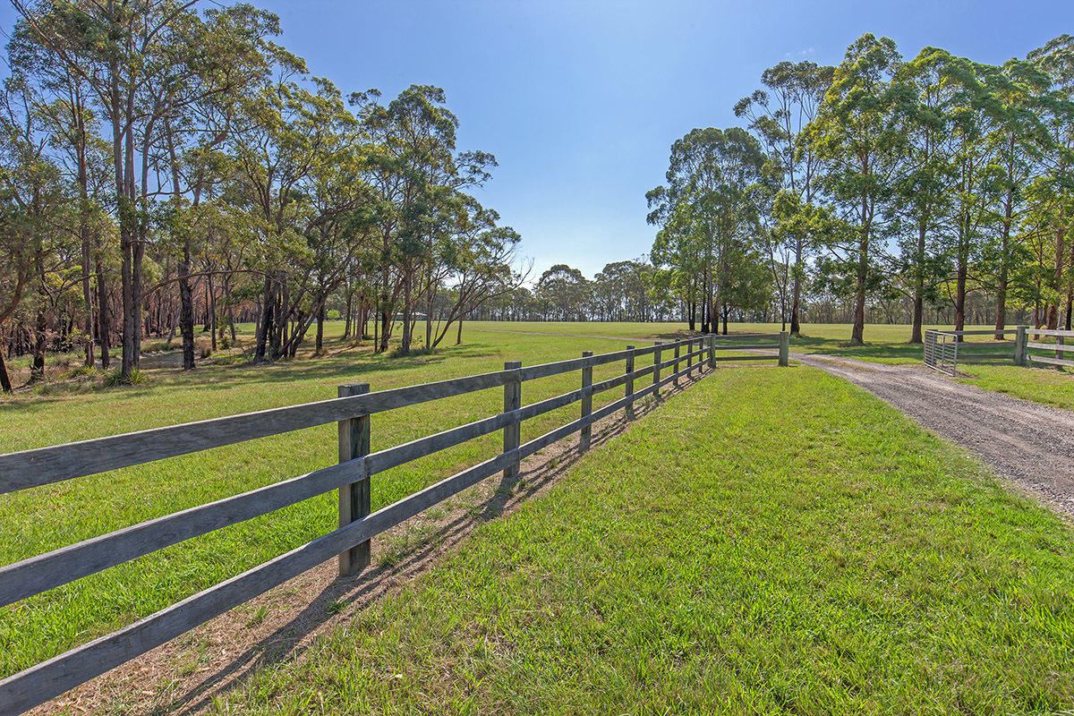 Possibly the best large acreage to hit the market.